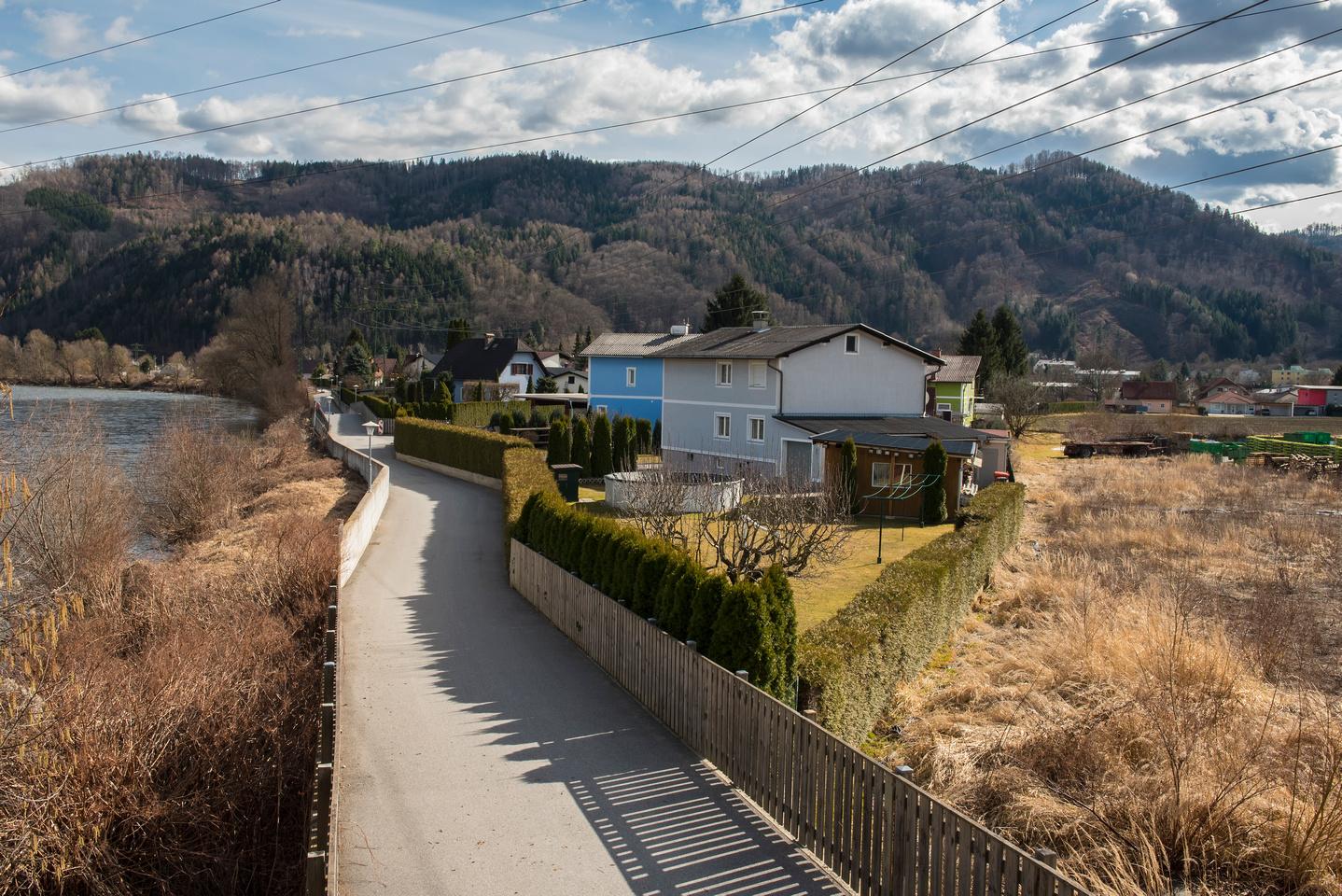 A picturesque walk along the Mur